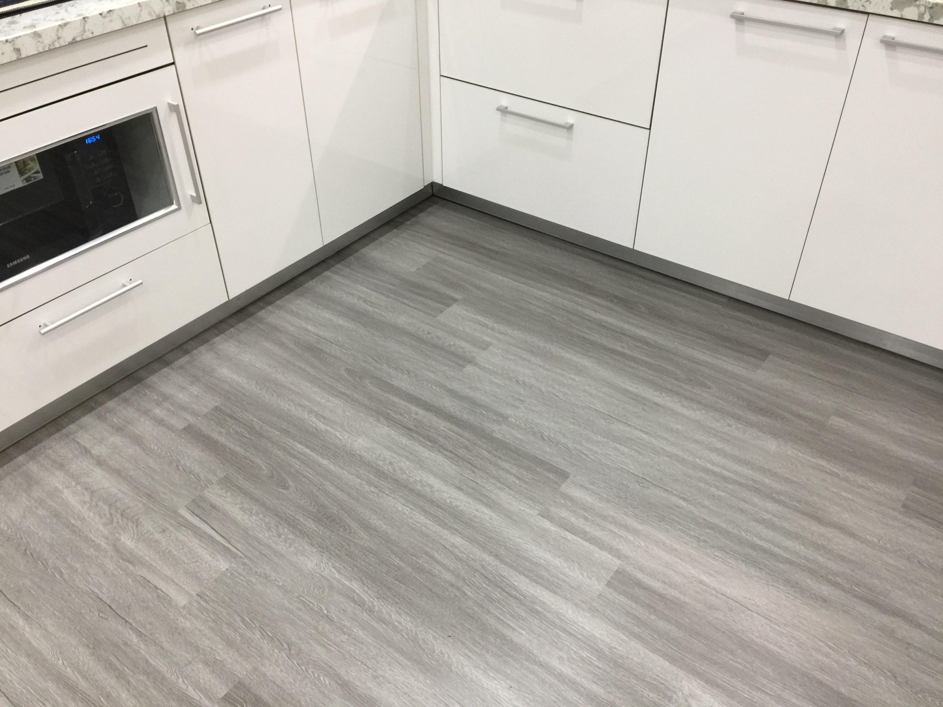 Công trình sàn nhưa căn hộ nhỏ 5