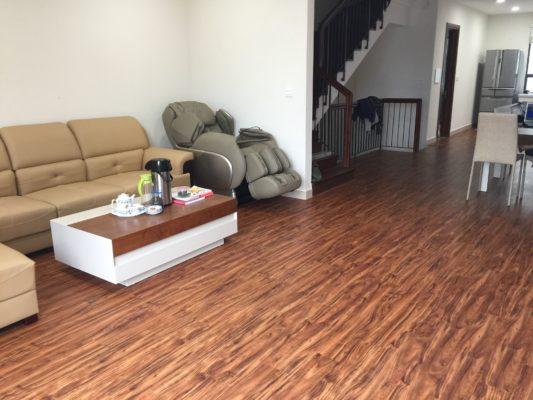 Sàn nhựa phòng khách với nhiều ưu điểm nổi bật